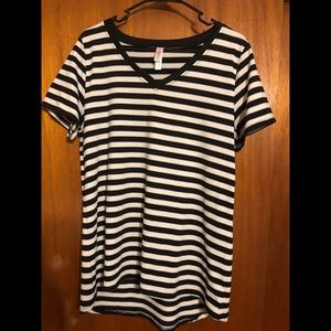 LulaRoe black & white striped Christy
